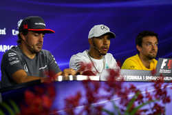 Fernando Alonso, McLaren, Lewis Hamilton, Mercedes AMG F1 and Jolyon Palmer, Renault Sport F1 Team in the Press Conference