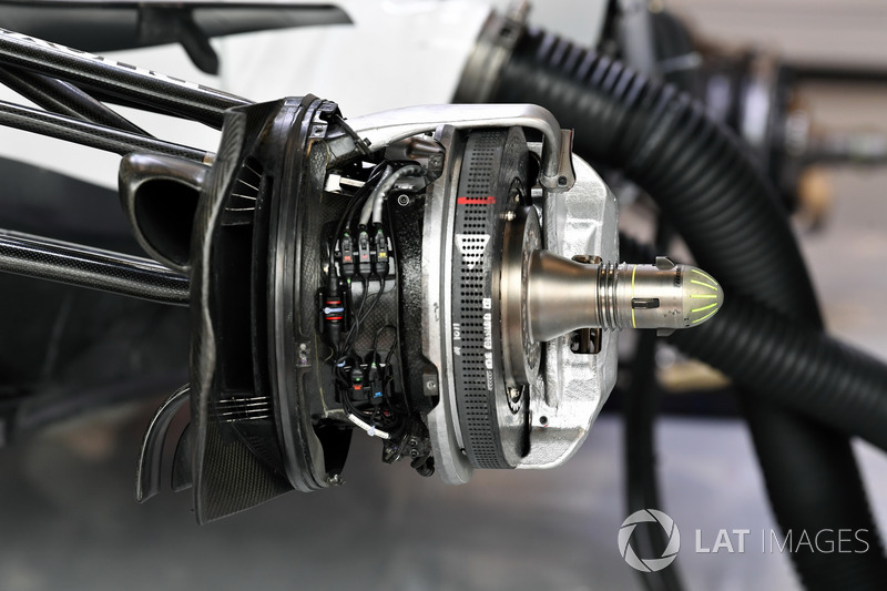 Williams front brake and wheel hub