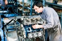 Formel-1-Motor im Bau