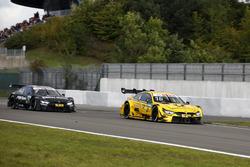 Timo Glock, BMW Team RMG, BMW M4 DTM na de crash en Bruno Spengler, BMW Team RBM, BMW M4 DTM