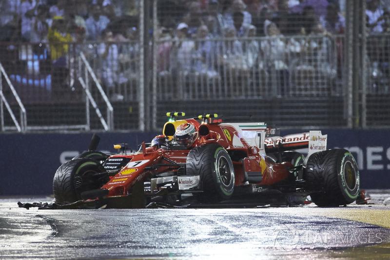 Max Verstappen, Red Bull Racing RB13, Kimi Raikkonen, Ferrari SF70H, crash out at the start