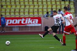 Maro Engel en el partido de fútbol World Stars