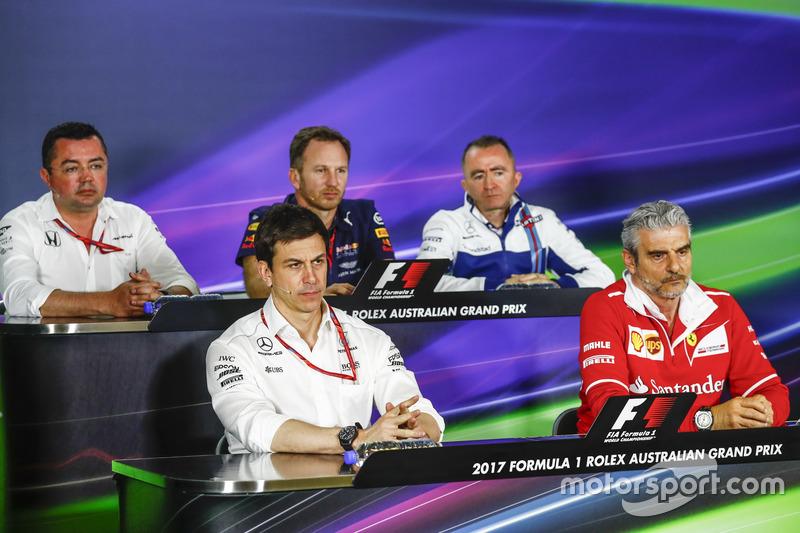Pressekonferenz: Eric Boullier, McLaren; Toto Wolff, Mercedes; Christian Horner, Red Bull Racing; Paddy Lowe, Williams; Maurizio ArrivabeneFerrari