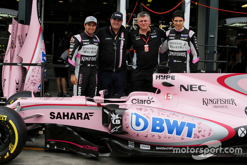 Sergio Perez, Sahara Force India F1; Otmar Szafnauer; Esteban Ocon, Sahara Force India F1; Force Ind