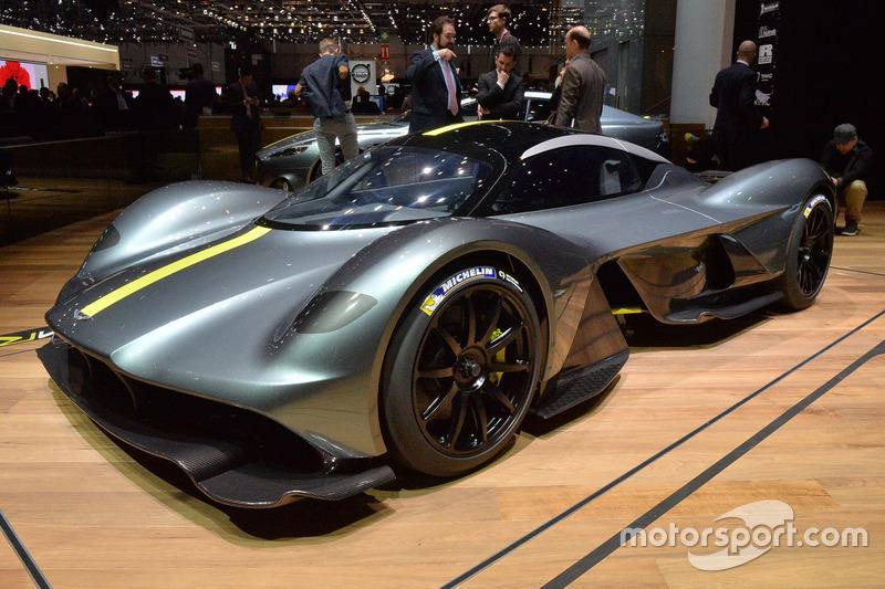 34. Aston Martin Valkyrie, суперкар