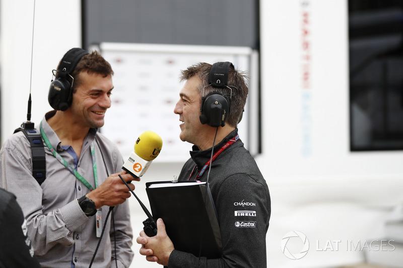Interview im Fahrerlager