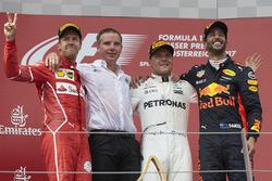 Temporada 2017 F1-austrian-gp-2017-second-place-sebastian-vettel-ferrari-race-winner-third-place-valtteri