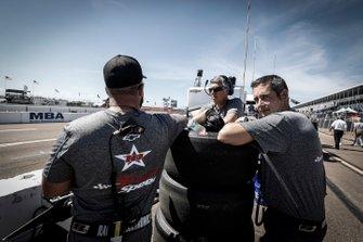 Ben Hanley, DragonSpeed Chevrolet, crew