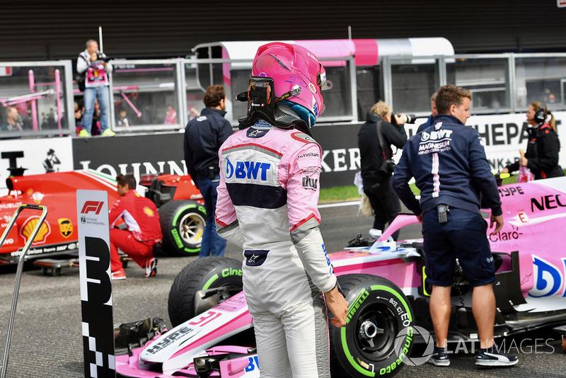 Esteban Ocon, Racing Point Force India F1 Team, dans le parc fermé