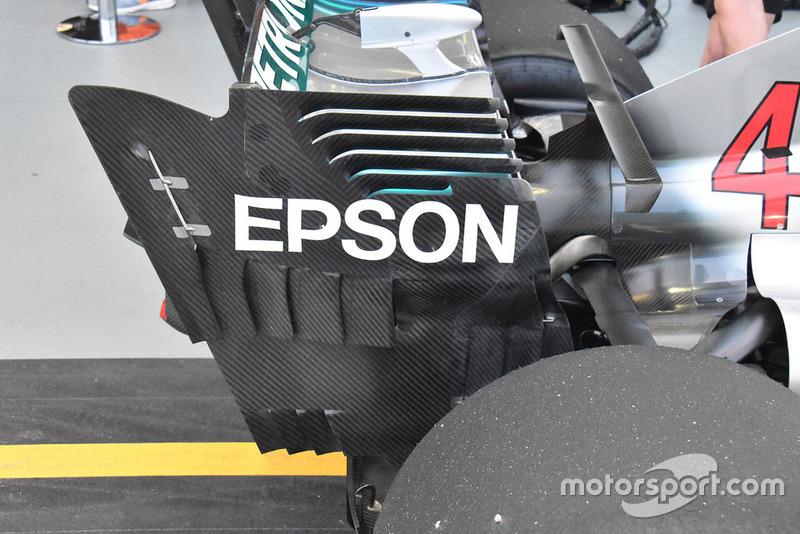 Заднє антикрило Mercedes AMG F1