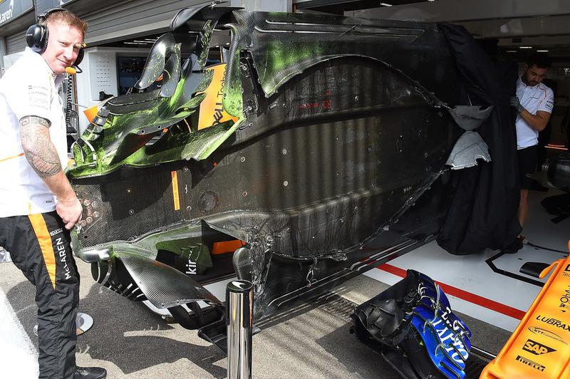 McLaren MCL33 piso con parafina