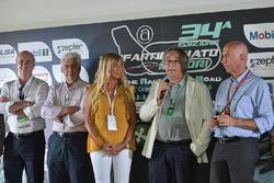 كلوديا بيروني، فرانكو نونيز وباولو سيكاروني