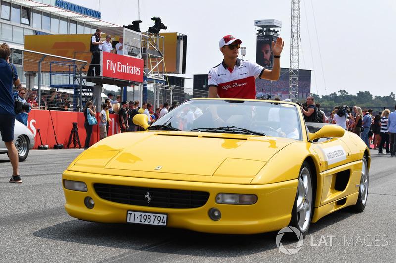 Marcus Ericsson, Sauber, at drivers parade