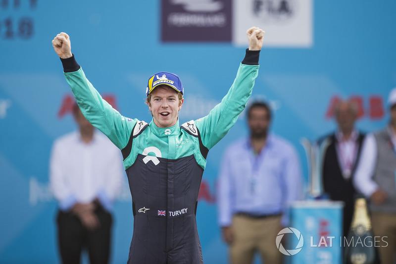 Oliver Turvey, NIO Formula E Team, on the podium