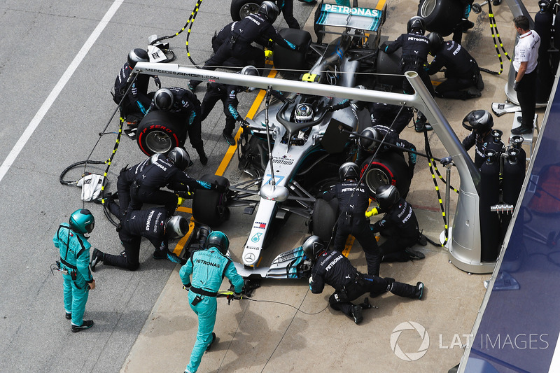 Valtteri Bottas, Mercedes AMG F1 W09, makes a pit stop