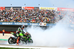 Race winner Tom Sykes, Kawasaki Racing