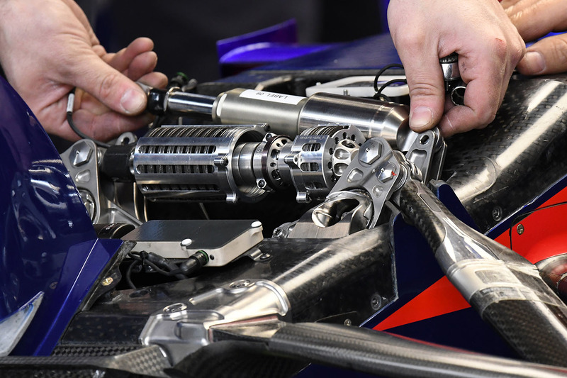 Scuderia Toro Rosso STR13 front suspension detail