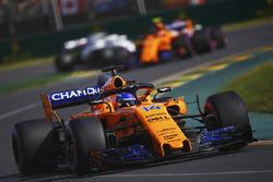 Fernando Alonso, McLaren MCL33 Renault, Stoffel Vandoorne, McLaren MCL33 Renault
