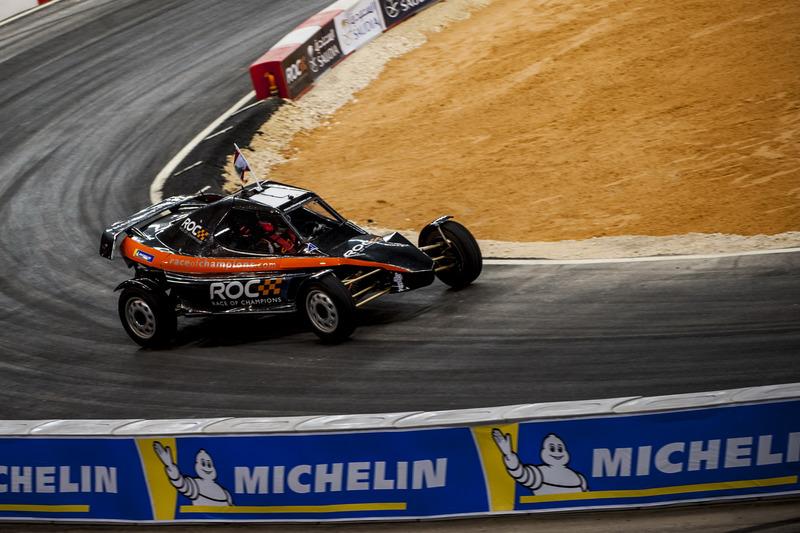 Mansour Chebli del equipo Líbano en el ROC Car