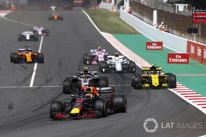 Даниэль Риккардо, Red Bull Racing RB14, Кевин Магнуссен, Haas F1 Team VF-18, Карлос Сайнс, Renault Sport F1 Team RS18, и Шарль Леклер, Alfa Romeo Sauber C37