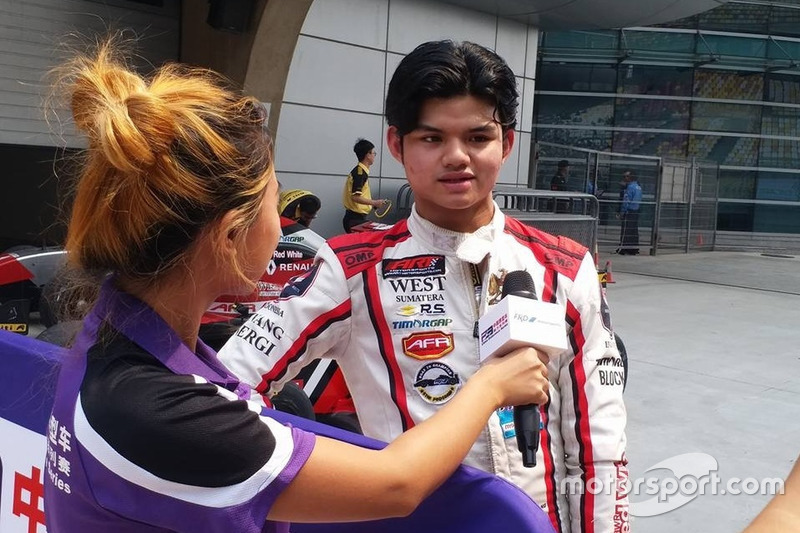 Runner-up Race 1, Perdana Minang, Asia Racing Team