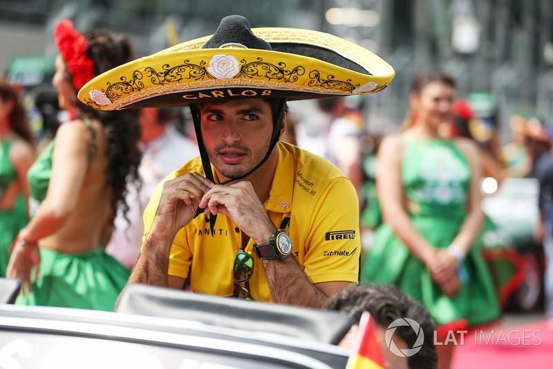 Carlos Sainz Jr., Scuderia Toro Rosso en la drivers parade