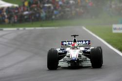Robert Kubica, BMW Sauber F1.06 lost his front wing
