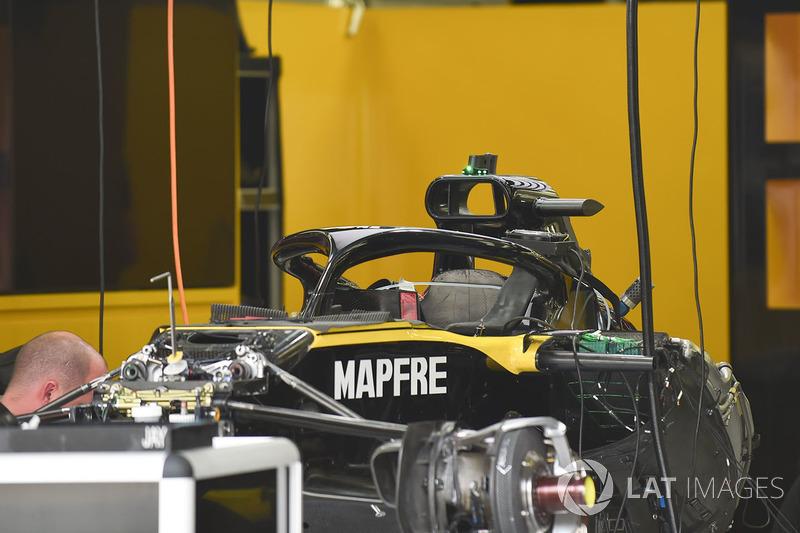 Renault Sport F1 Team R.S. 18 dans le garage