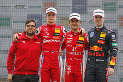 Podium: Race winner Guanyu Zhou, PREMA Theodore Racing Dallara F317 - Mercedes-Benz, second place Ralf Aron, PREMA Theodore Racing Dallara F317 - Mercedes-Benz, third place Dan Ticktum, Motopark Dallara F317 - Volkswagen