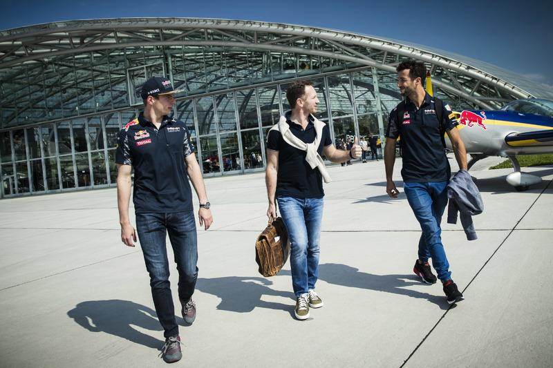 Max Verstappen, Daniel Ricciardo, Red Bull Racing, Christian Horner, Hangar 7