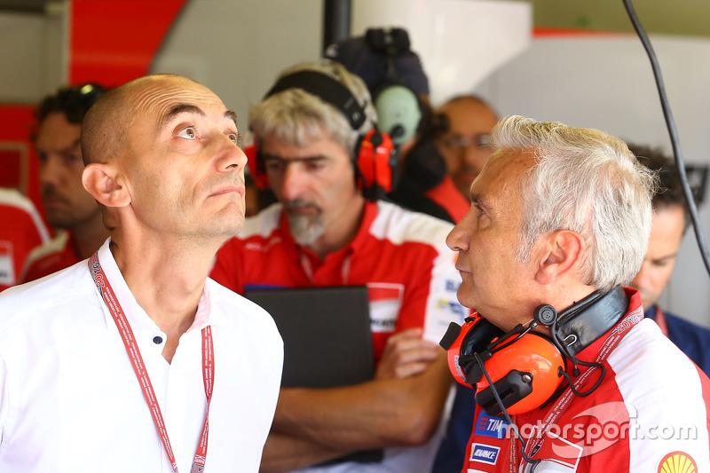 Claudio Domenicali, Director General de Ducati, Davide Tardozzi, director del equipo Ducati Team