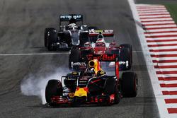 Даниэль Риккардо, Red Bull Racing RB12 блокирует колеса на торможении