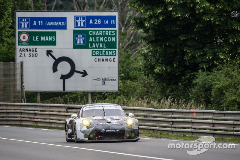 49: #88 Abu Dhabi Proton Competition Porsche 911 RSR: Khaled Al Qubaisi, Patrick Long, David Heinemeier Hansson