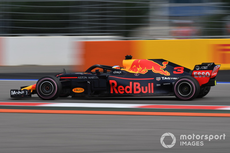 18: Даніель Ріккардо*, Red Bull Racing RB14, без часу