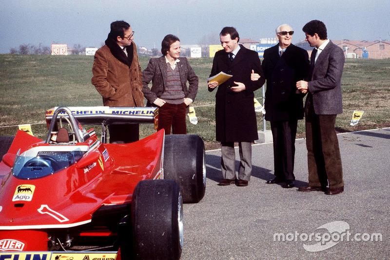 Maranello 1980, Mauro Forghieri, Gilles Villeneuve, Marco Piccinini, Jody Scheckter para la presentación del Ferrari T5