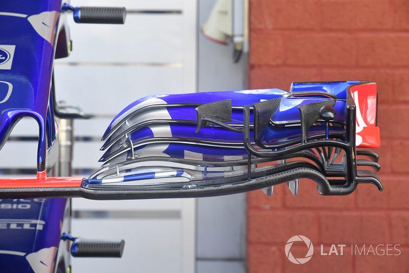 Переднее крыло Toro Rosso STR13