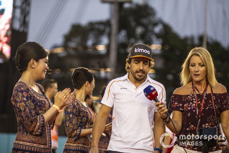 """Fernando Alonso: """"Fizemos o máximo que podíamos. Tive uma boa largada e depois, com a estratégia, tentamos otimizá-la: primeiro com o pneu roxo [ultramacios], depois com os amarelos [macios]. E, se Magnussen não tivesse colocado os hipermacios, teríamos feito a volta mais rápida, então foi uma corrida mágica para nós."""""""