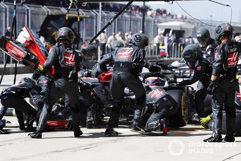 Pit stop Romain Grosjean, Haas F1 Team VF-18,
