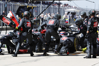 Romain Grosjean, Haas F1 Team VF-18, in the pits