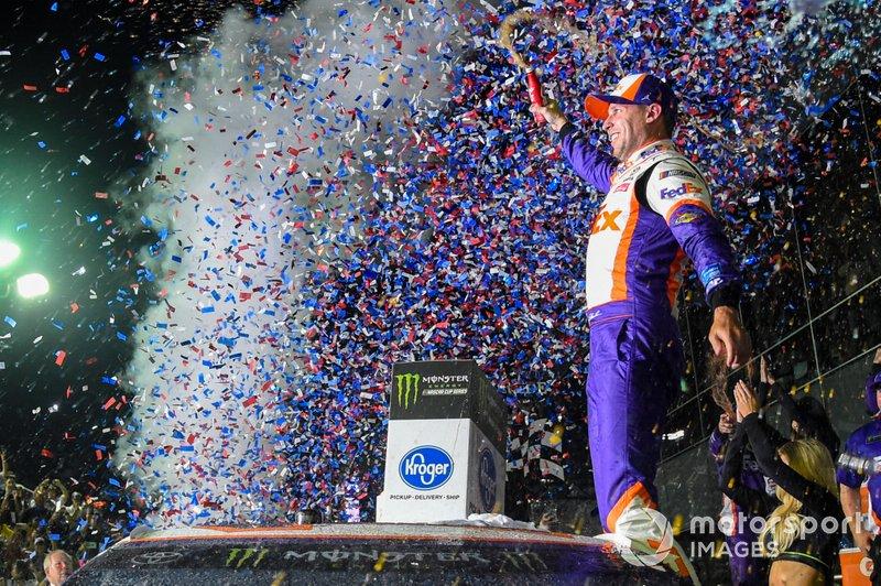 Denny Hamlin, Joe Gibbs Racing, Toyota Camry FedEx Express, wins