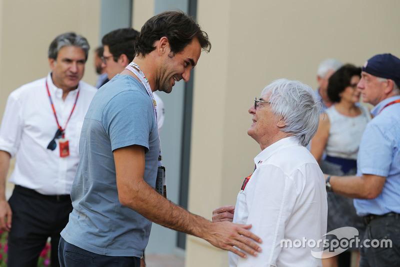 Tenista Roger Federer con Bernie Ecclestone