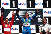 Podium: Race winner Gerhard Berger, Benetton Renault, second place Michael Schumacher, Ferrari, third place Mika Hakkinen, McLaren