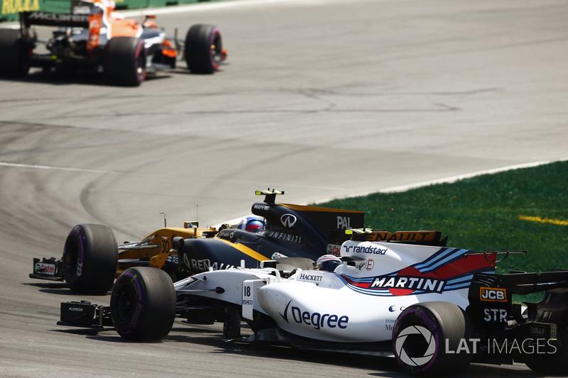 Джолион Палмер, Renault Sport F1 RS17, и Лэнс Стролл, Williams FW40