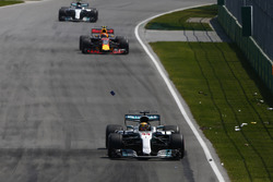 Lewis Hamilton, Mercedes AMG F1 W08, Max Verstappen, Red Bull Racing RB13, Valtteri Bottas, Mercedes AMG F1 W08