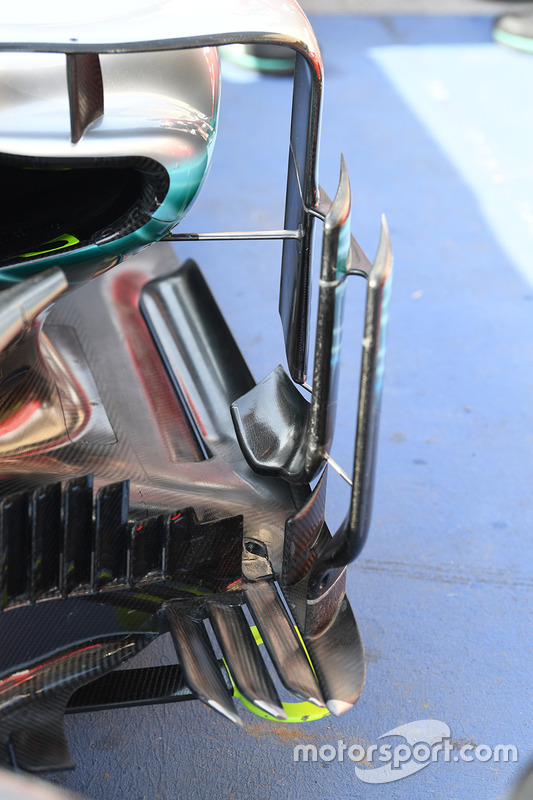 Детали понтона Mercedes F1 W08