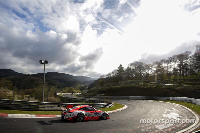 6. #12 Manthey Racing, Porsche 911 GT3 R: Otto Klohs, Mathieu Jaminet, Matteo Cairoli