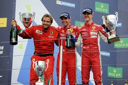 Podio LMGTE Pro: al primo posto James Calado, Alessandro Pier Guidi, AF Corse
