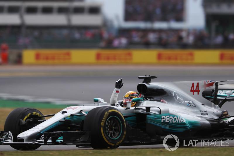 Ganador de la carrera Lewis Hamilton, Mercedes AMG F1 W08 celebra