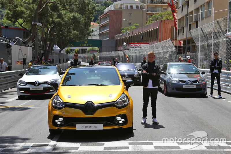 Renault Clio R.S. 16 і Кевін Магнуссен, Renault Sport F1 Team