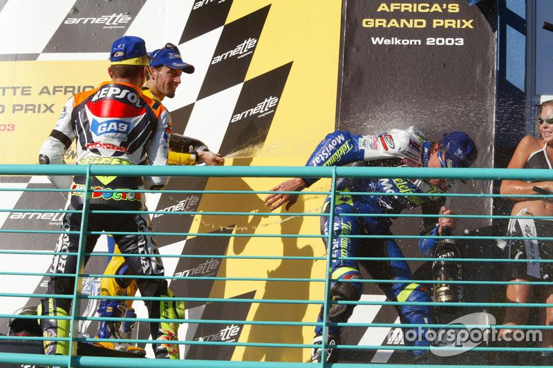 Podium: ganador. Sete Gibernau, Telefónica Movistar Honda, segundo, Valentino Rossi, Repsol Honda Team y tercero, Max Biaggi, Pramac Pons